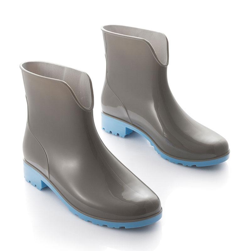 创意手绘美术雨鞋